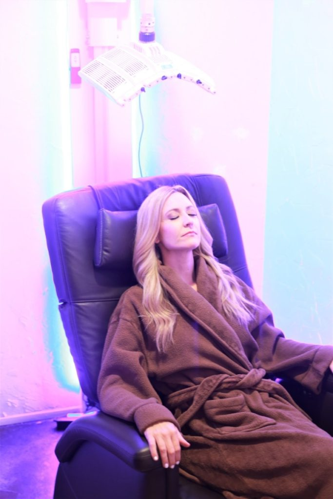 How to Create the Perfect Summer Skin with Glo Sun Spa by beauty blogger Sara of Haute & Humid