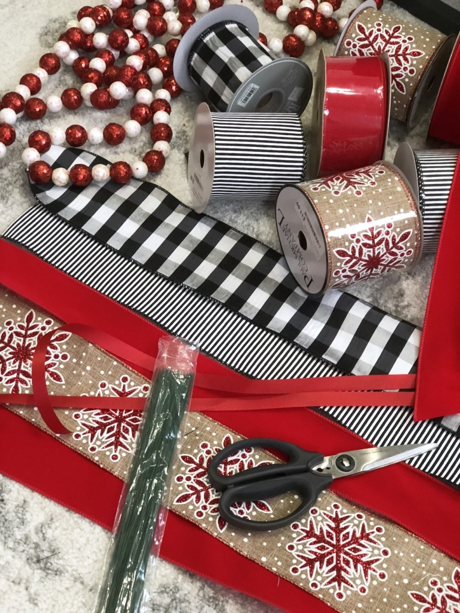 How To Tie A Christmas Bow.Christmas Ribbon Bow Tutorial Home Decor Haute Humid