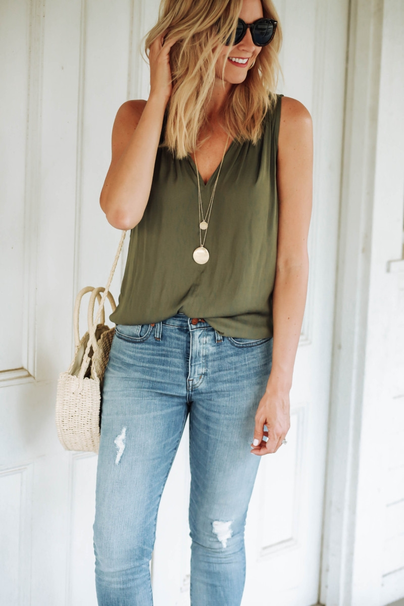 madewell jeans - Transitioning Your Summer Wardrobe Into Fall featured by popular Houston fashion blogger Haute & Humid