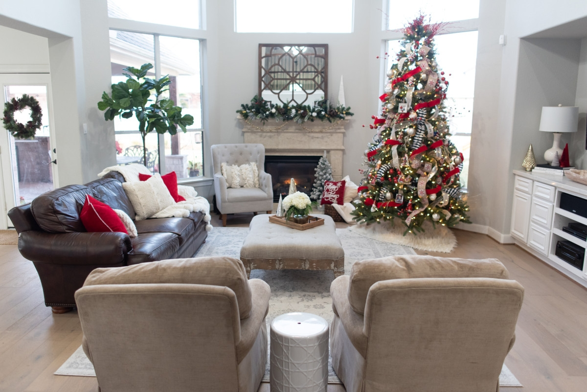 Christmas Living Room | Holiday Home Tour: Festive Christmas Home Decor  Featured By Top Houston