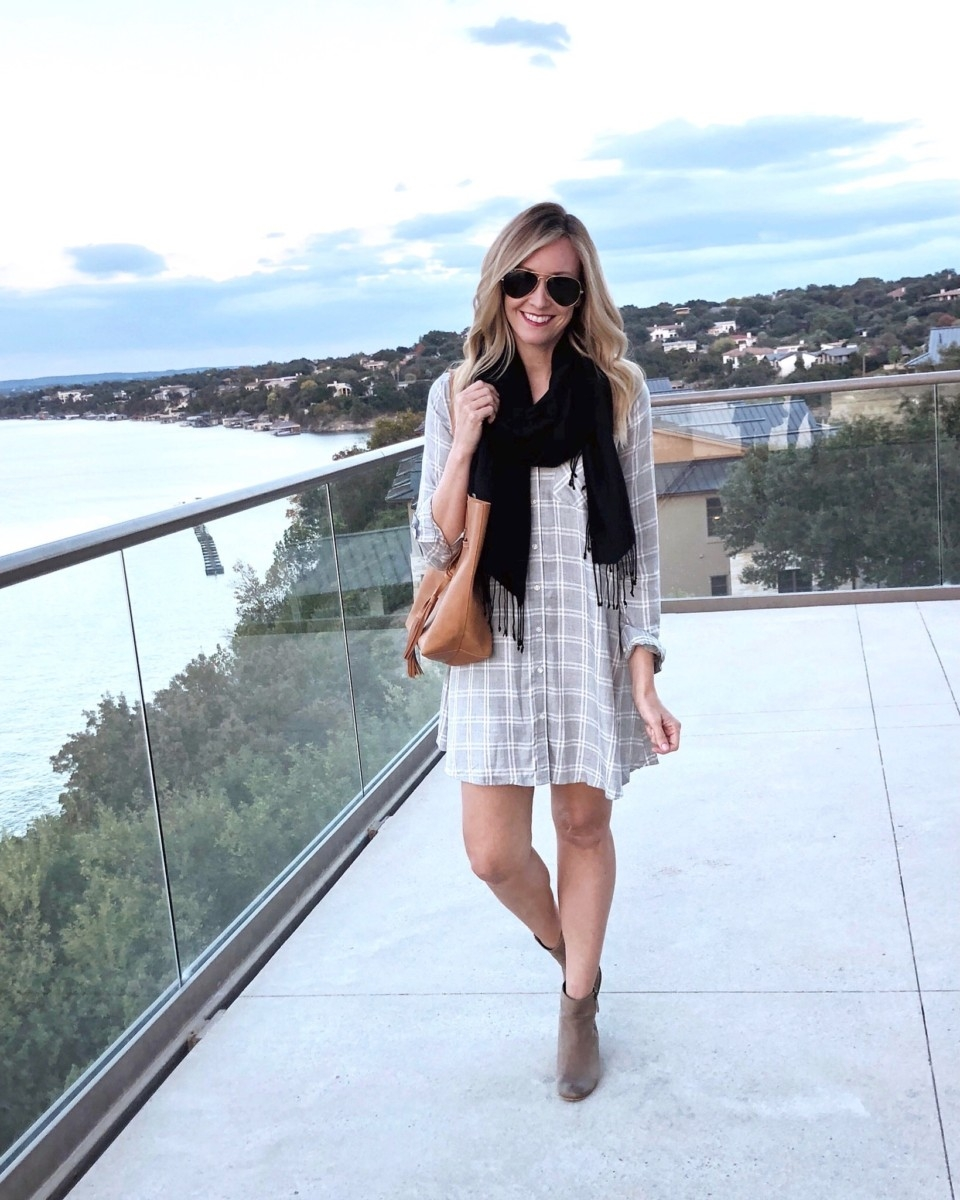 old navy dress | Nordstrom | Vacation | Lifestyle | Winter Staycation at the Austin Lakeway Resort and Spa featured by top Houston travel blog Haute & Humid